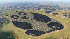planta energía solar con forma de panda construida en China